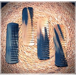Dandy Rebelz Wide Horn Comb